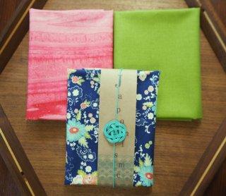 モダジャポニスムmodajaponismeカットクロスセット_3B14ネイビー花柄とピンク色バティックとグラスグリーン