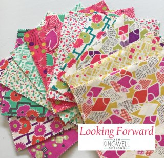 Charm Pack : Moda Fabrics / Looking Forward / 42枚入りカットクロスセット