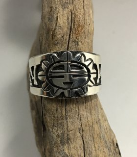 Hopi Belvin Yuyaheova Overlay Ring