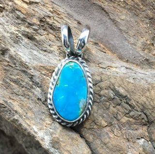 Navajo Robin Tsosie Kingman Turquoise Pendant