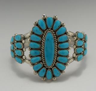 Zuni Lorraine Waatsa Sleeping Beauty Turquoise Cluster Bracelet