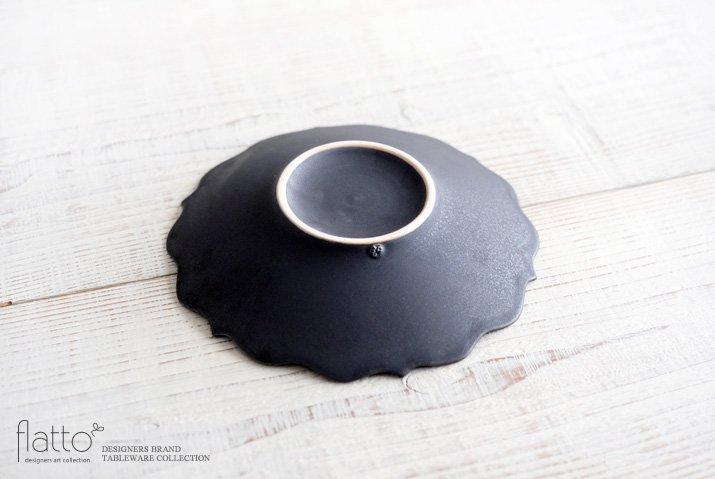 黒釉輪花ケーキ皿 作家「木下和美」-04