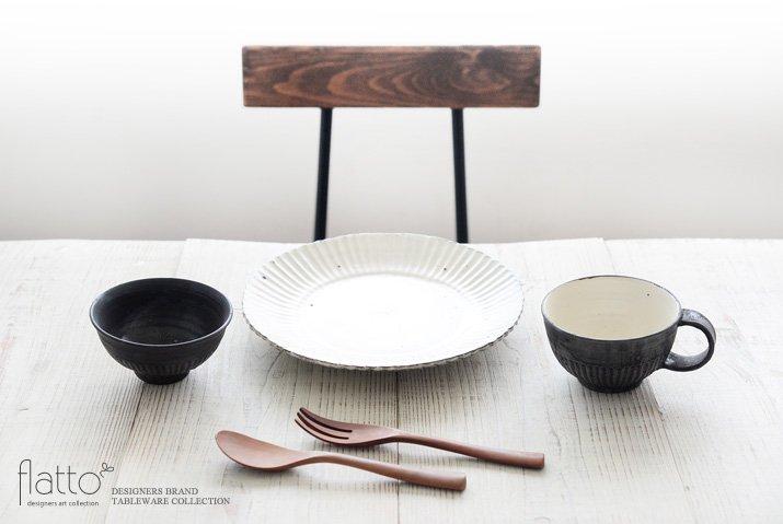 加藤祥孝|鉄釉しのぎ飯碗-03