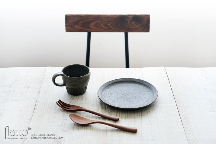 福井亜紀|18cm丸皿(灰砂)-03