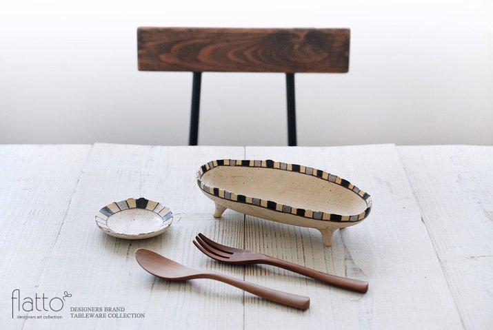 トキノハ|iroe 粉引色絵楕円鉢(S・縞・黒銀)-03