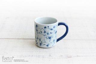 石井桃子|花唐草マグカップ(角・取っ手青)