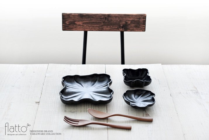安福由美子|黒フリル四方皿-03
