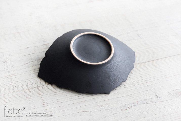 木下和美 黒釉輪花ひし形皿(L)-04