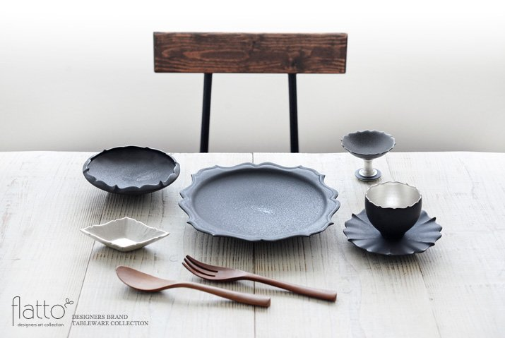 木下和美|黒釉輪花鉢-蕾-(M)-03