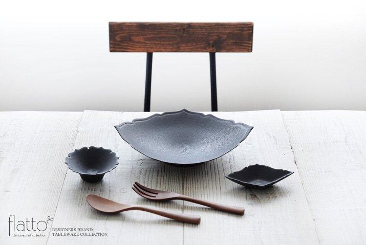 木下和美|黒釉輪花豆鉢-03