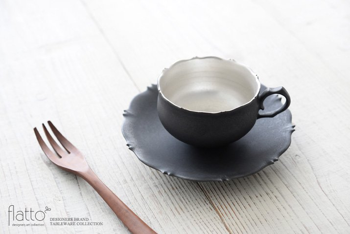木下和美 黒釉銀彩 azamiティーカップ&ソーサー-02