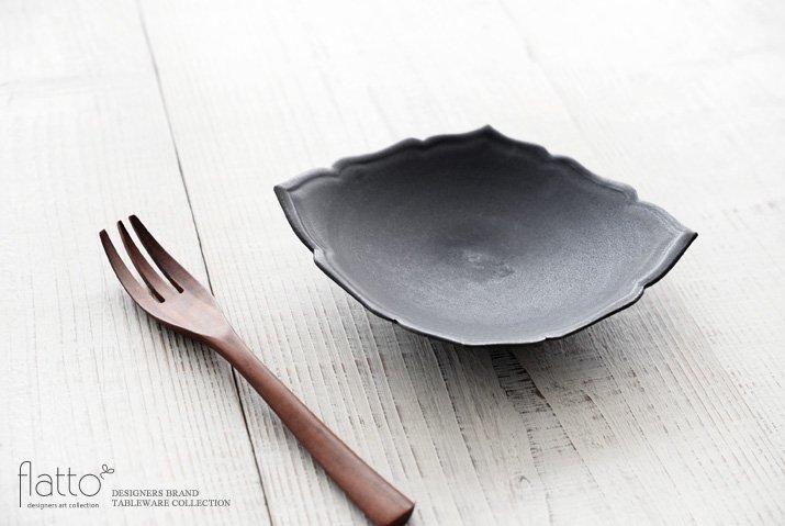 木下和美 黒釉輪花ひし形皿(M)-02