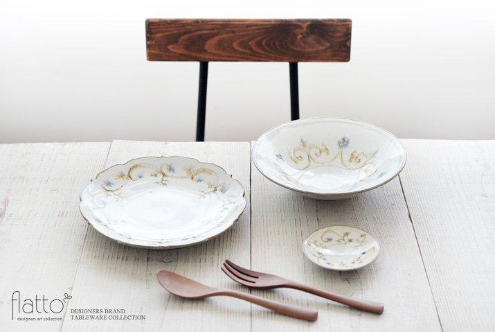 武曽健一|絞手 草花紋7寸鉢(錆呉須)-03