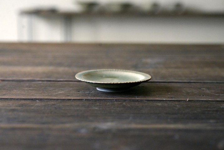 【WEB展示会】|市野耕|灰釉 3寸リム鎬皿-03