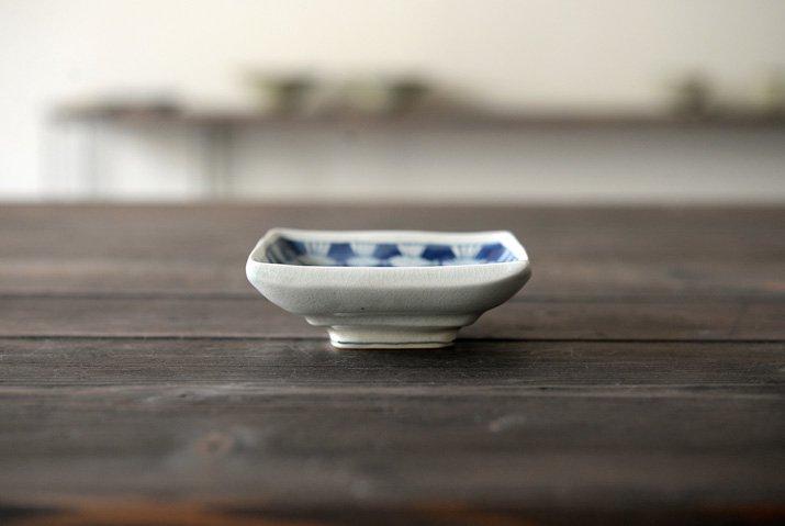 石井桃子|四角小皿(魚柄)-03