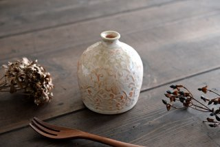 松本郁美|灰釉 彫文花器