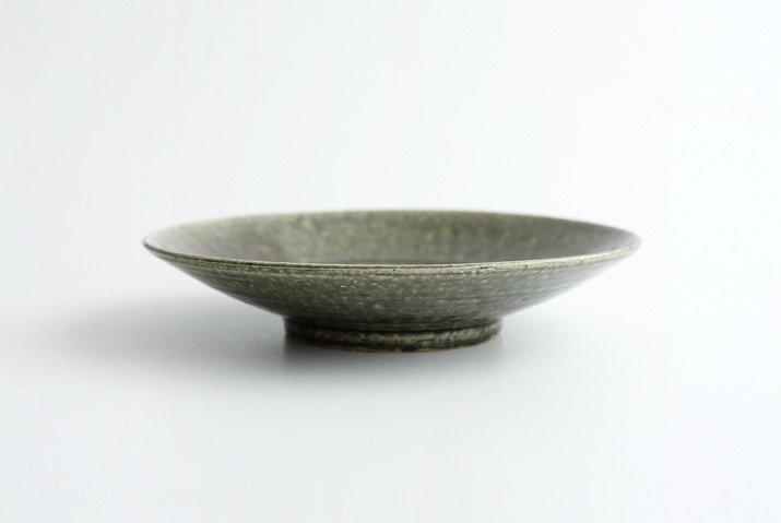 野村佳苗|錆緑釉 7寸皿-03