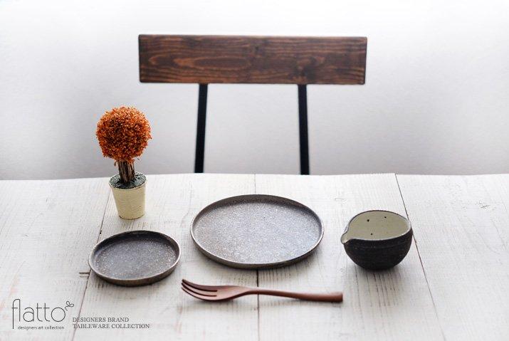 奥田章|ケーキ皿18cm(茶)-03