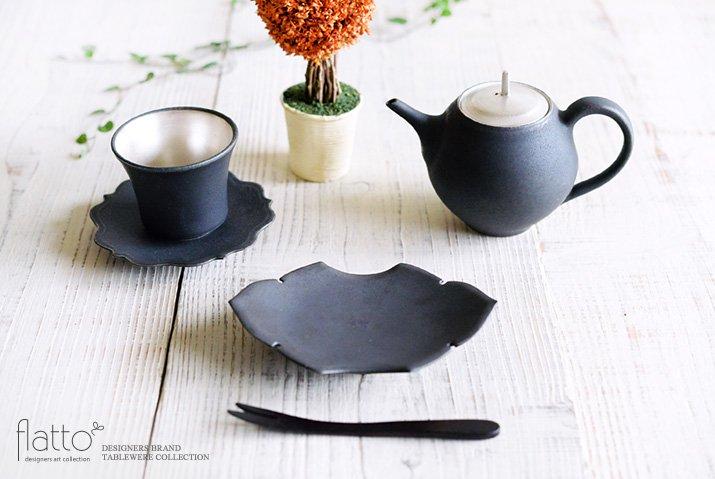 木下和美|黒釉蝙蝠菓子皿-03