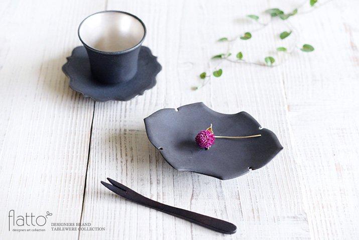 木下和美|黒釉蝙蝠菓子皿-04