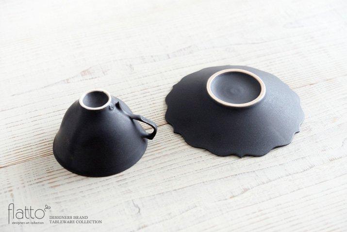 木下和美|黒釉銀彩ティーカップ&ソーサー(L)-04
