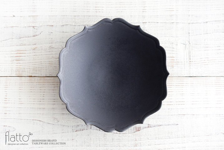 黒釉輪花鉢 作家「木下和美」