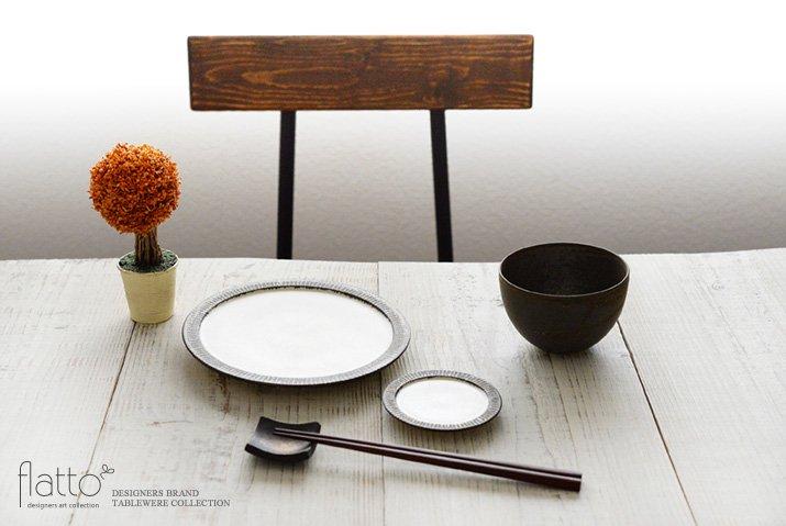 shiro-kuro 3寸皿(縁黒) 作家「トキノハ」-03
