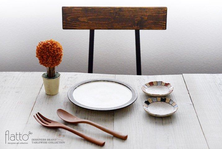 トキノハ|iroe 粉引色絵豆皿(縞・黒銀)-03