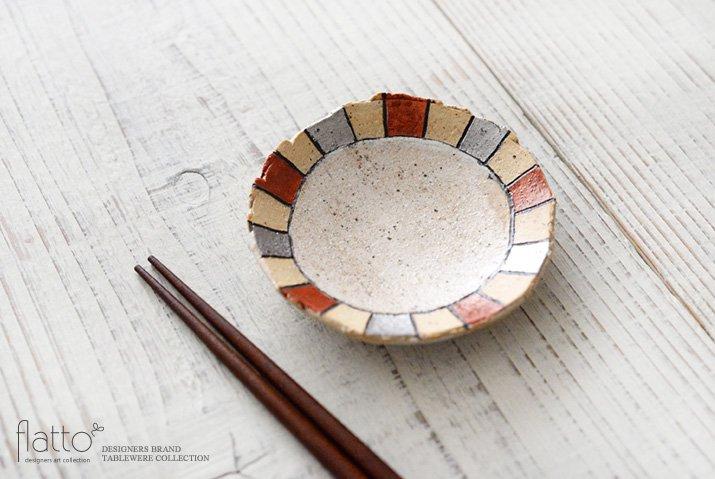 iroe 粉引色絵豆皿(縞・赤銀) 作家「トキノハ」-02