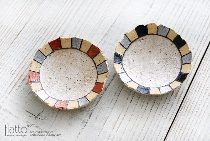 トキノハ|iroe 粉引色絵豆皿(縞・赤銀)-04