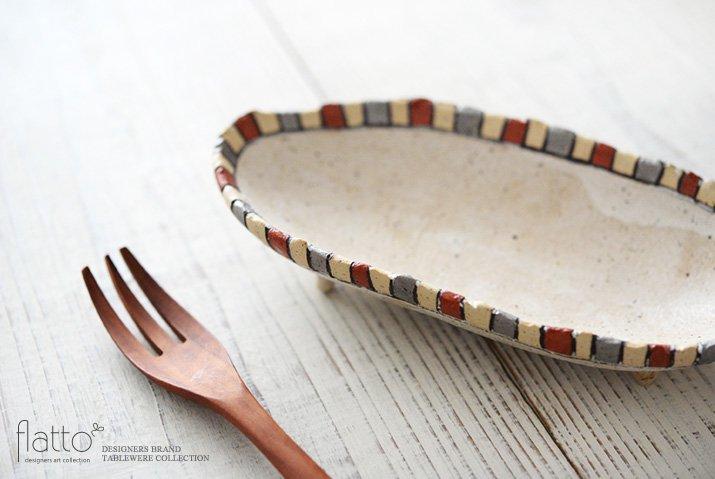 トキノハ|iroe 粉引色絵楕円鉢(S・縞・赤銀)-02
