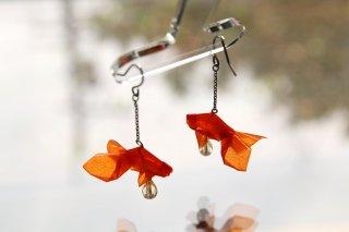 Origami Jewelry<br/> 有澤悠河 作 「金魚」 <br/>ピアス/イヤリング<br/>バーミリオン<br/>