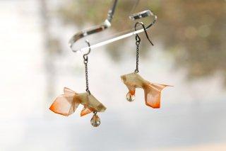 Origami Jewelry <br/>有澤悠河 作 「金魚」 <br/>ピアス/イヤリング<br/>Tバーミリオン<br/>