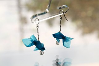 Origami Jewelry <br/>「金魚」 <br/>ピアス/イヤリング<br/>スカイ<br/>