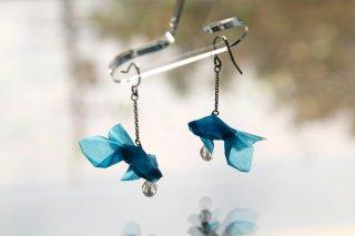 Origami Jewelry <br/>有澤悠河 作 「金魚」 <br/>ピアス/イヤリング<br/>スカイ<br/>