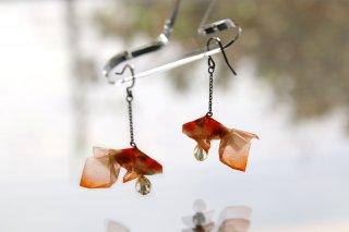 Origami Jewelry <br/>有澤悠河 作 「金魚」 <br/>ピアス/イヤリング<br/>クロブチ<br/>