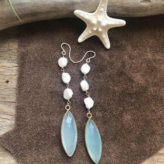 Chalcedony  &Pearl  pierce
