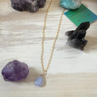 <img class='new_mark_img1' src='//img.shop-pro.jp/img/new/icons20.gif' style='border:none;display:inline;margin:0px;padding:0px;width:auto;' />Ocean blue Chalcedony necklace(14kgf)