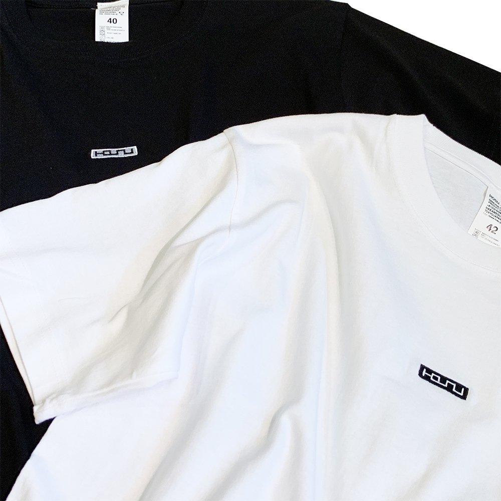 HOSU ボックスロゴ刺繍Tシャツ/ホワイト、ブラック