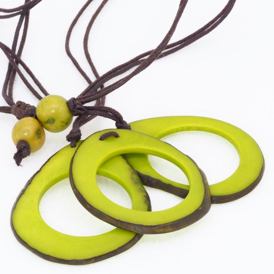 Tagua(タグア)3連ネックレス兼グラスホルダー Green1