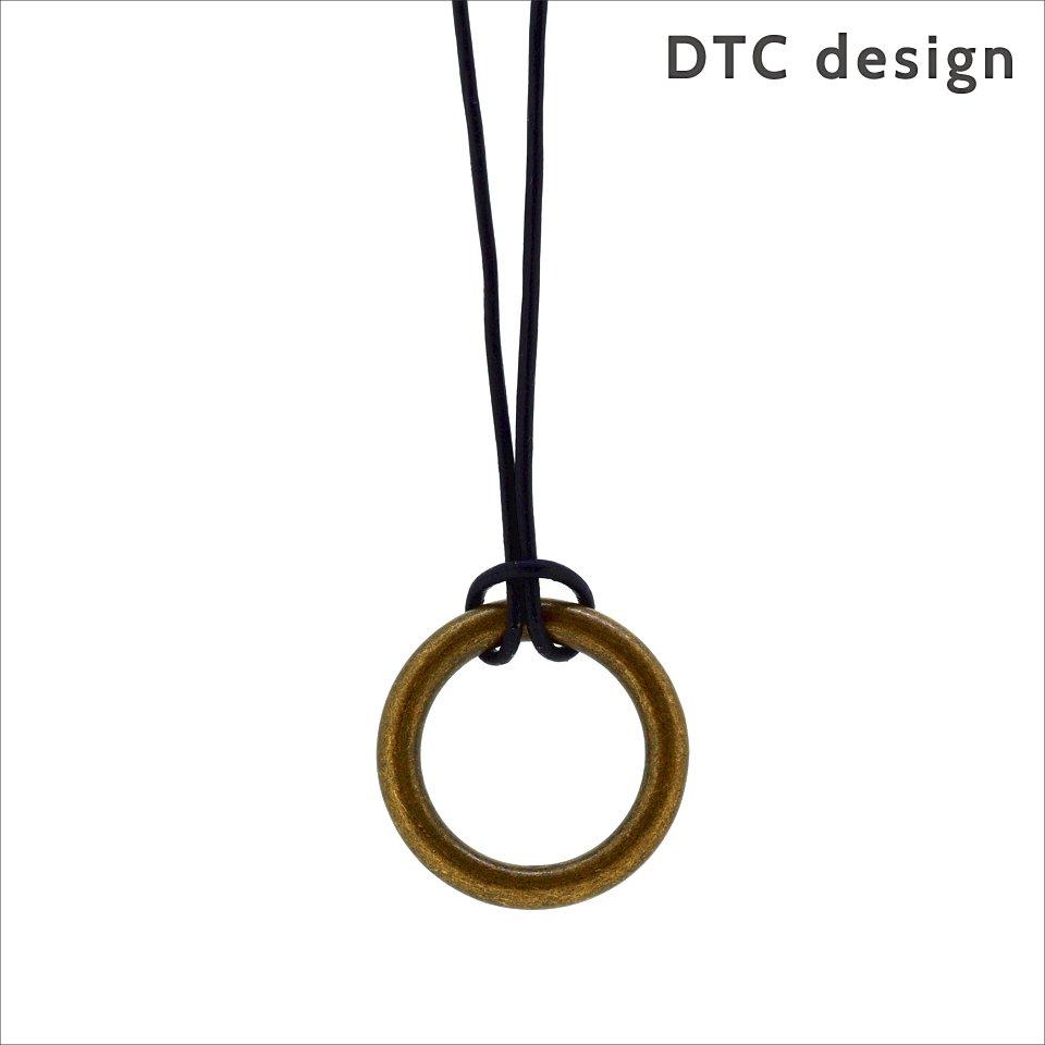 【DTC design / DTCデザイン】 細レザーコード グラスホルダー(ブラック)|長さ調整可能,ペンダント兼用