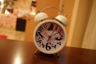 ネコの目覚まし時計