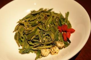 菊花龍井茶(きっかろんじんちゃ)