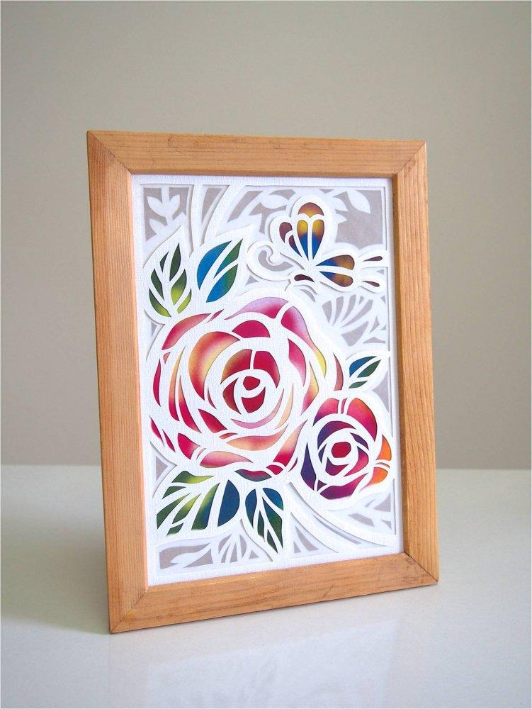 白い切り絵  カサネ「バラと蝶々」