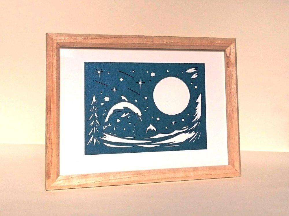 青切り絵「月とイルカ/moon and dolphins」