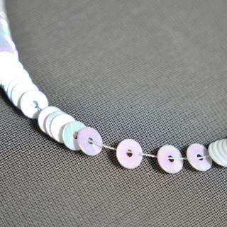 オパック ホワイト・オーロラ  1本(1000枚)・イタリア製・糸通し・平丸・4mm