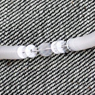 ホワイトクオーツ  1本(1000枚)・イタリア製・糸通し・平丸・5mm