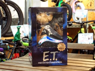 430 E.T. ZIP UP PARKA & E.T. PLUSH DOLLS