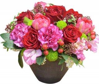 店長おまかせアレンジメント 赤系カラー フラワーギフト 生花 誕生日祝い 結婚記念日 結婚祝い お祝い プレゼント