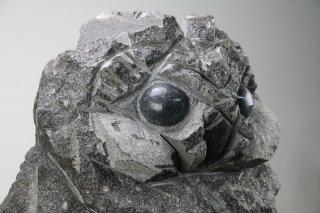 石彫ふくろう 黒御影400×400×H600